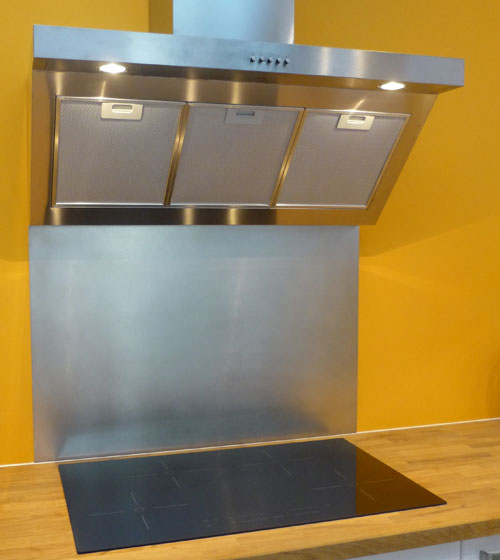 Plakinox photos cr dences inox r alisation de for Fond de hotte inox sur mesure